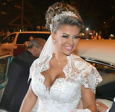 Marly Figueredo Y El Vestido De Los 6500 Cristales
