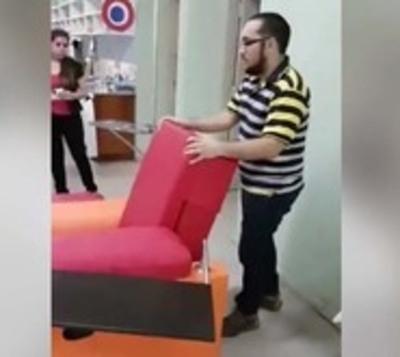 Paraguayo diseña sillón para niños con cáncer
