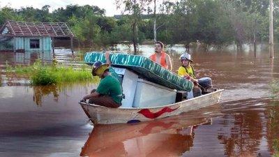 Crecidas obligan a evacuar Edelira