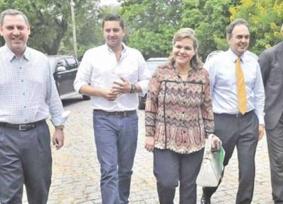 La ANR pide destituir a Robert Acevedo y suspender a los senadores que se oponen a la reelección