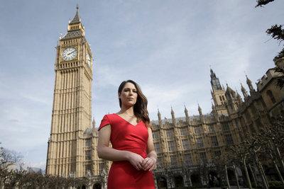 Un movimiento en contra de los zapatos de tacón llega al parlamento inglés