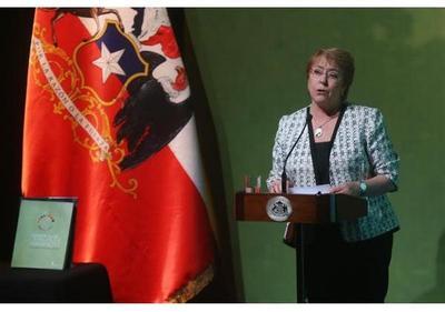 Bachelet dice que Chile redujo brecha de género