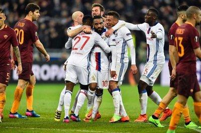 Lyon toma ventaja