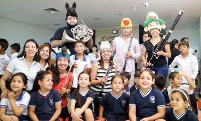 La orquesta y los niños