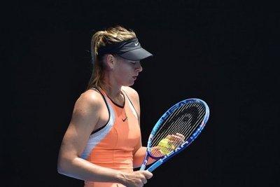 Jugadores, divididos por invitaciones a Sharapova