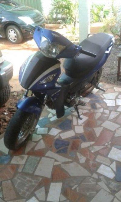 Aparece moto de la mujer asesinada en Cnel. Oviedo