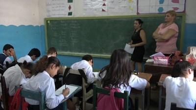 CONFIRMAN AUMENTO DEL 10% DEL SALARIO PARA DOCENTES DE AULAS.