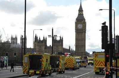 Atentado en Londresdeja cuatro muertos