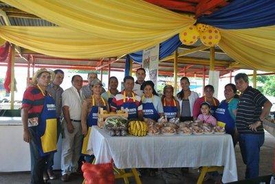 Exitosa feria de pequeños productores en Luque