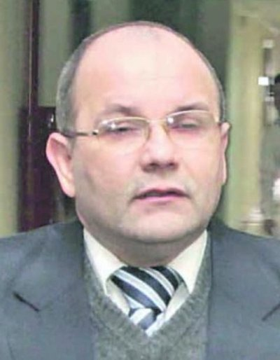 Latorre se retracta de supuesta amenaza a medios de prensa