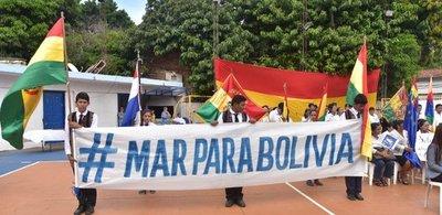 Bolivianos conmemoran Día del Mar