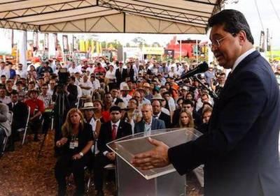'Palo a la rueda o trabajar': Leite fustiga a senadores que dijeron 'ahí van los leprosos'