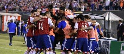 Paraguay vence a Ecuador y mantiene la fe mundialista