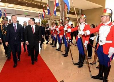 Cartes se reunió con Macri para reforzar la cooperación entre Argentina y Paraguay