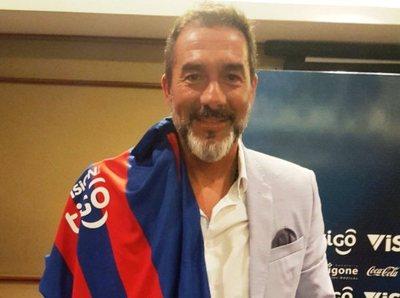 Gustavo Matosas fue presentado como DT del Ciclón