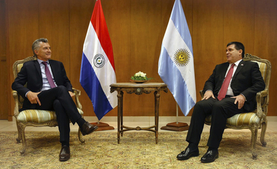 Yacyretá será punto principal en próxima reunión entre Cartes y Macri