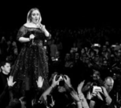 """Ponen en venta bolsa con aire de """"los pulmones de Adele"""""""