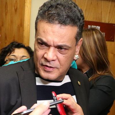 "Robert Acevedo: ""El senador Velázquez se autoproclamó presidente"""