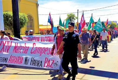 Campesinos   marchan hoy por antiguos  reclamos