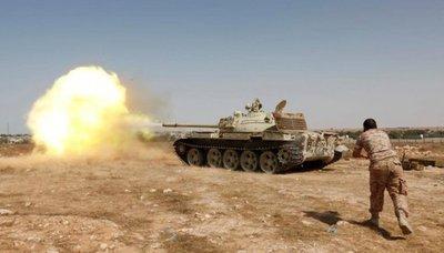 Un piloto y tres civiles mueren al estrellarse avión en Libia