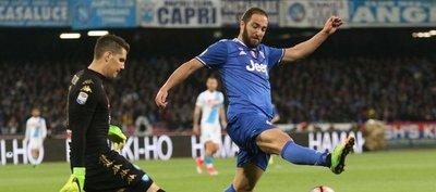 Napoli y Juventus empatan en la vuelta sin gol de Higuaín