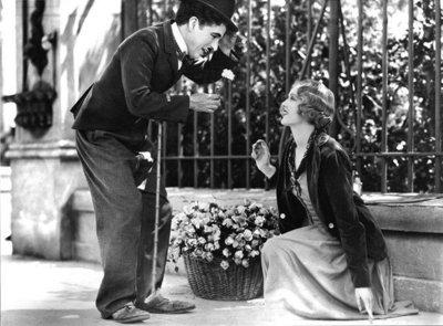 Se visten de Charlot para celebrar cumpleaños de Chaplin