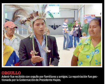 Un indígena de la parcialidad Enxet se recibió de médico en Venezuela