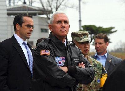 """Pence: Con Corea del Norte """"todas las opciones están sobre la mesa"""""""