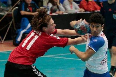 Paraguay enfrenta a Uruguay y sueña con el mundial