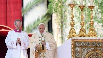 El papa recibe a ONG española que salva inmigrantes