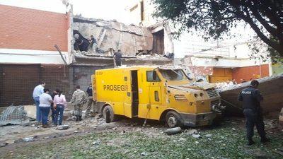 Asalto en CDE: delincuentes huyeron a Brasil