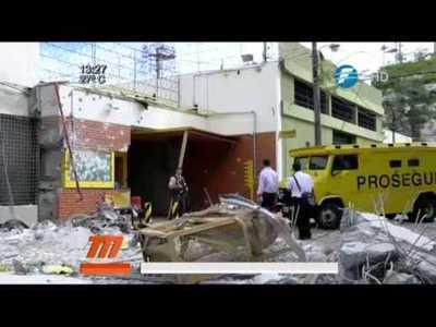 [VIDEO] Niños refugiándose durante la balacera al local de Prosegur