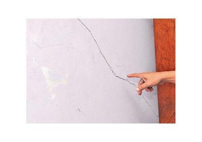 Constructora debería indemnizar a afectados por temblores en cantera