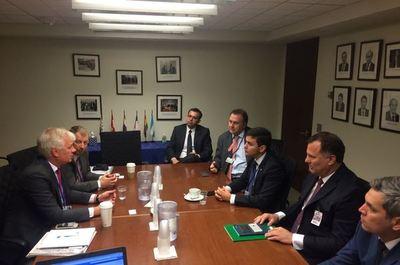 Santiago Peña se reunió con ejecutivos del Citibank en Washington