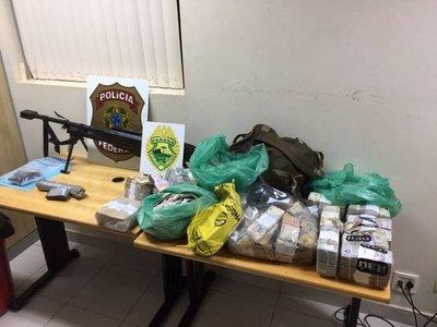 Policía Federal de Brasil muestra evidencia incautada