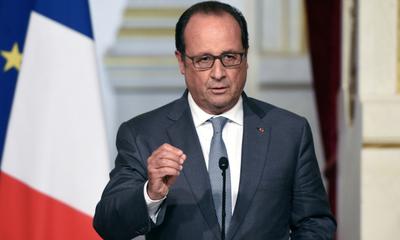 """Hollande pide """"por el bien de Francia"""" voto para Macron"""