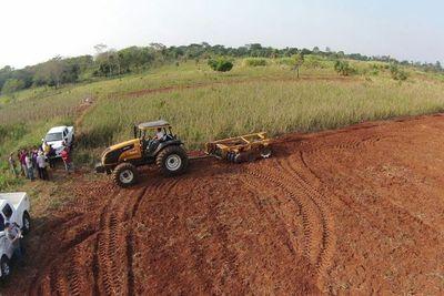 Gracias a mecanización se triplicó cosecha de productores