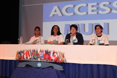 Alumnos del CCPA realizan debates