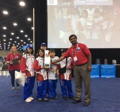 Niños paraguayos ganan premio en Mundial de Robótica
