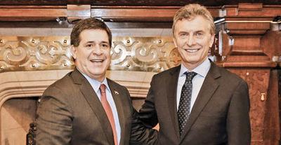 En unos quince días se reunirán Cartes-Macri