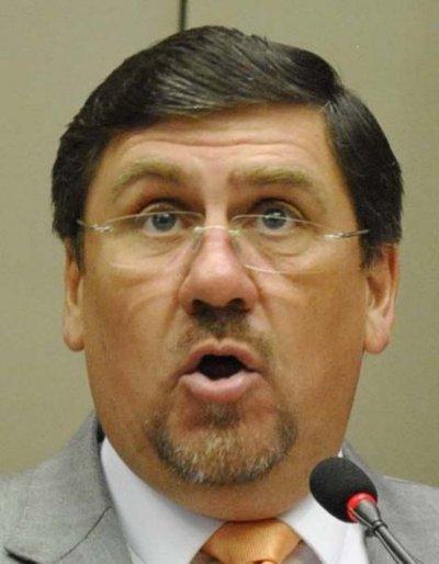 Llano dice que sanciones tienen trasfondo electoral