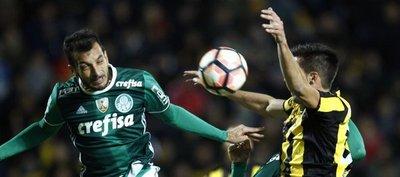 Palmeiras remonta ante el Peñarol un juego con final bochornoso