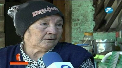 Abuela reclama pensión desde hace 5 años