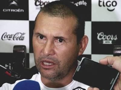 Olimpia: Mauro Caballero abandona el barco