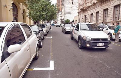Demarcan  zonas para  estacionamiento tarifado