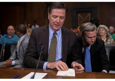 Trump amenaza al exdirector del FBI ante posibles filtraciones