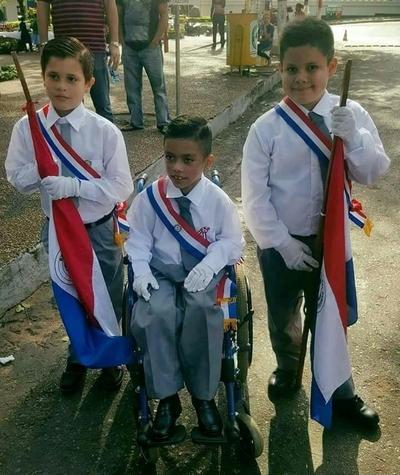 GALERÍA: Comienzan los desfiles estudiantiles