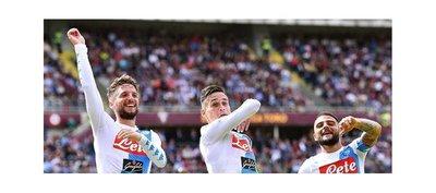 El Napoli arrolla al Torino y se sitúa segundo