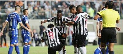 Atlético Mineiro golea y gana el Grupo 6
