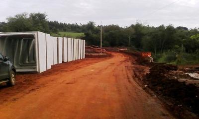 Reparan caminos vecinales de San Pedro, Caaguazú y Caazapá